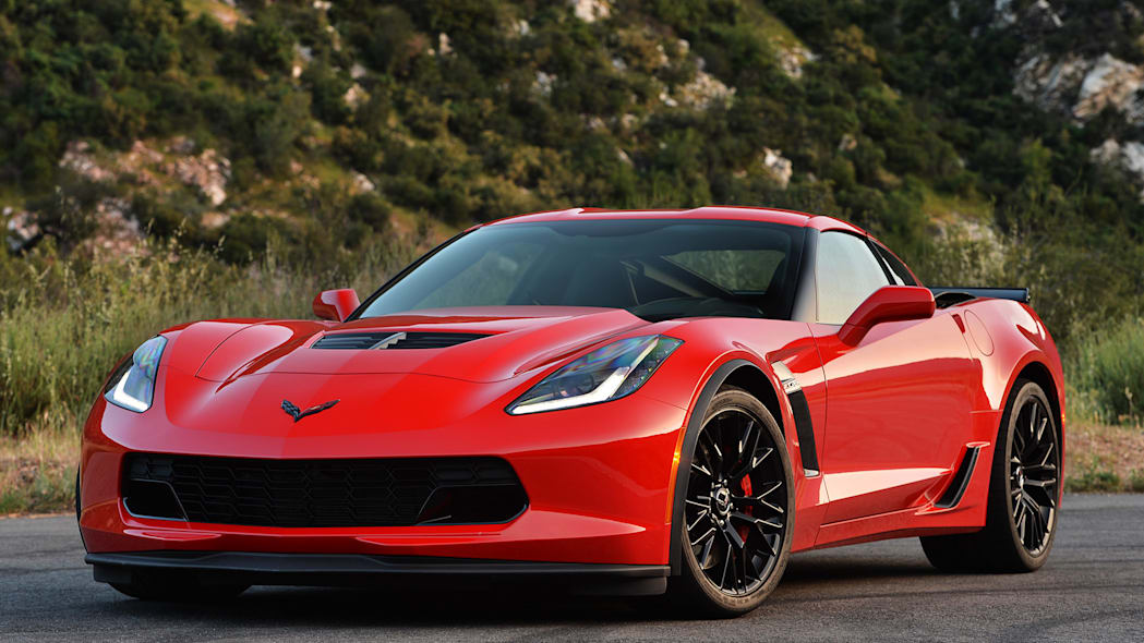 2015 Chevrolet Corvette Z06 front 3/4 view