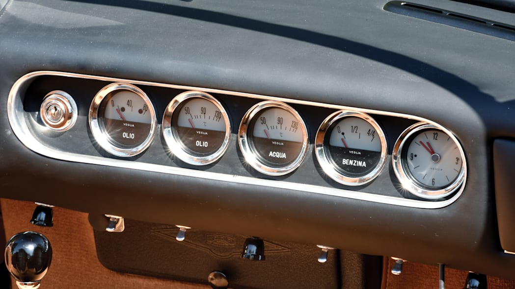 Ferrari 250 GT SWB California Spider gauges