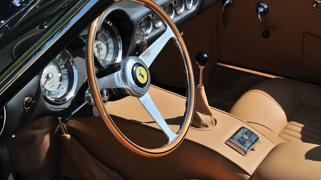 Ferrari 250 GT SWB California Spider controls