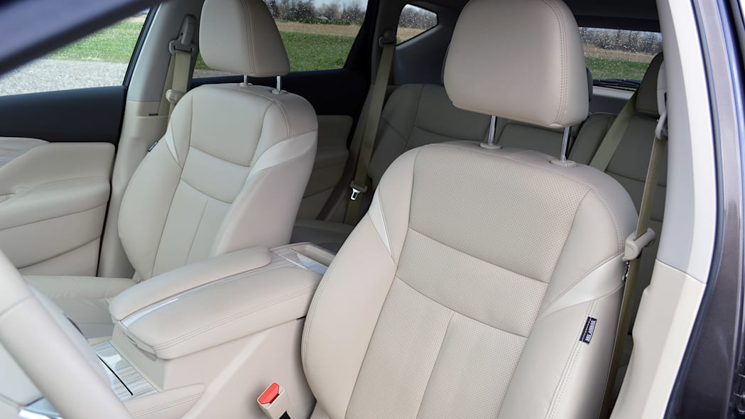 2015 Nissan Murano front seats