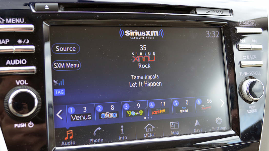 2015 Nissan Murano infotainment system