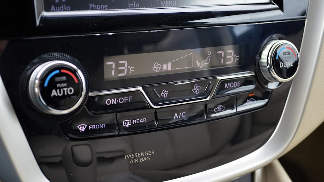 2015 Nissan Murano climate controls