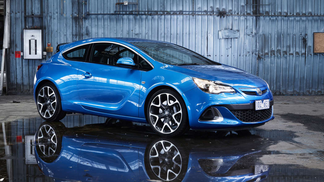 holden astra vxr reflection front 3/4