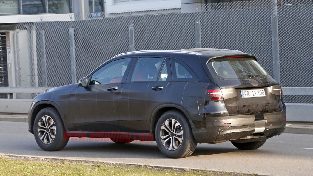 Mercedes-Benz GLC-Class spied rear 3/4