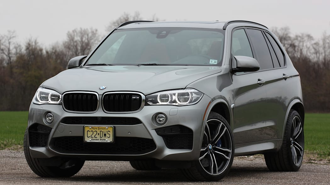 2015 BMW X5 M front 3/4 view