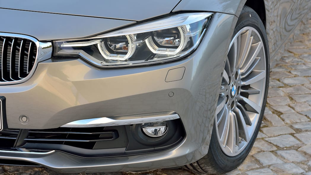 beige 2016 bmw 3 series wagon refresh headlight details