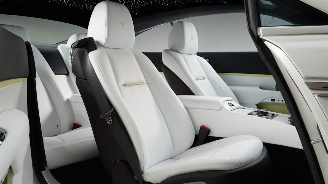 Rolls-Royce Wraith Inspired by Fashion edition interior cabin