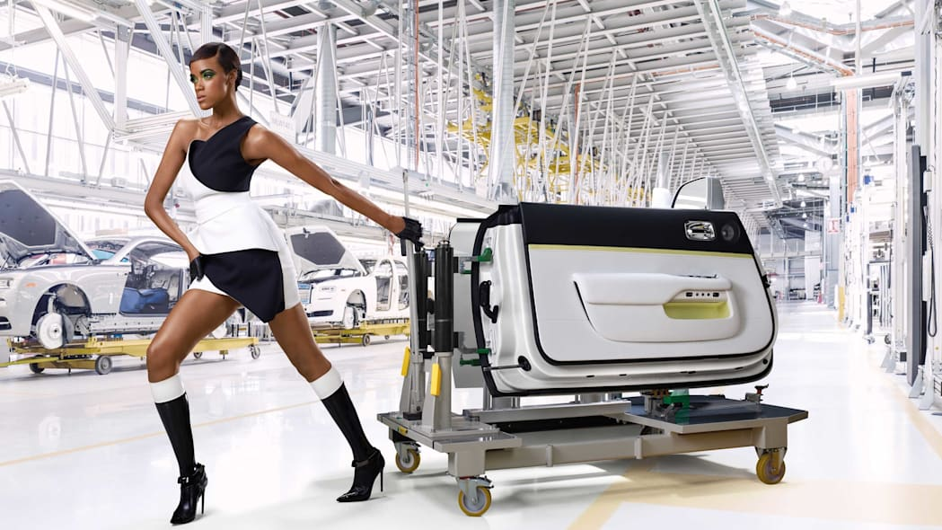 Rolls-Royce Wraith Inspired by Fashion edition assembly doors models
