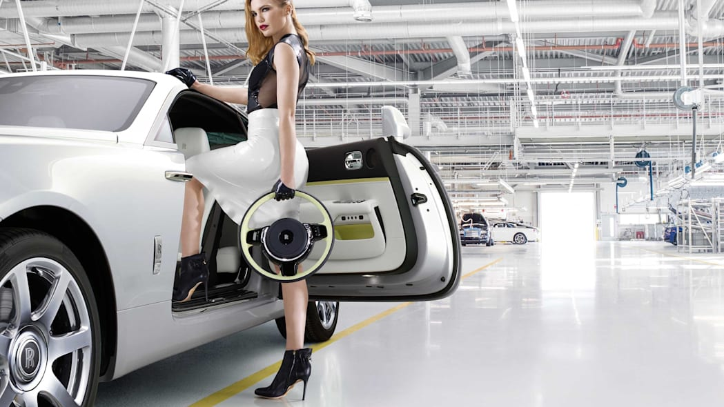 Rolls-Royce Wraith Inspired by Fashion edition door steering wheel models