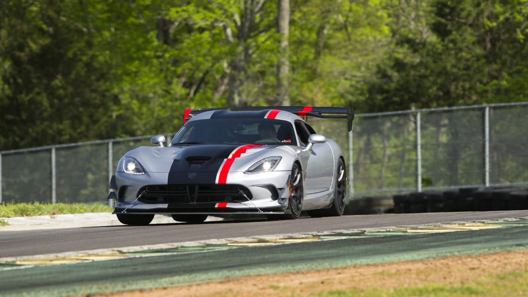 dodge acr viper turn action track