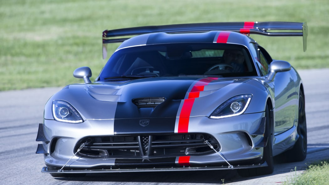 dodge viper acr track action