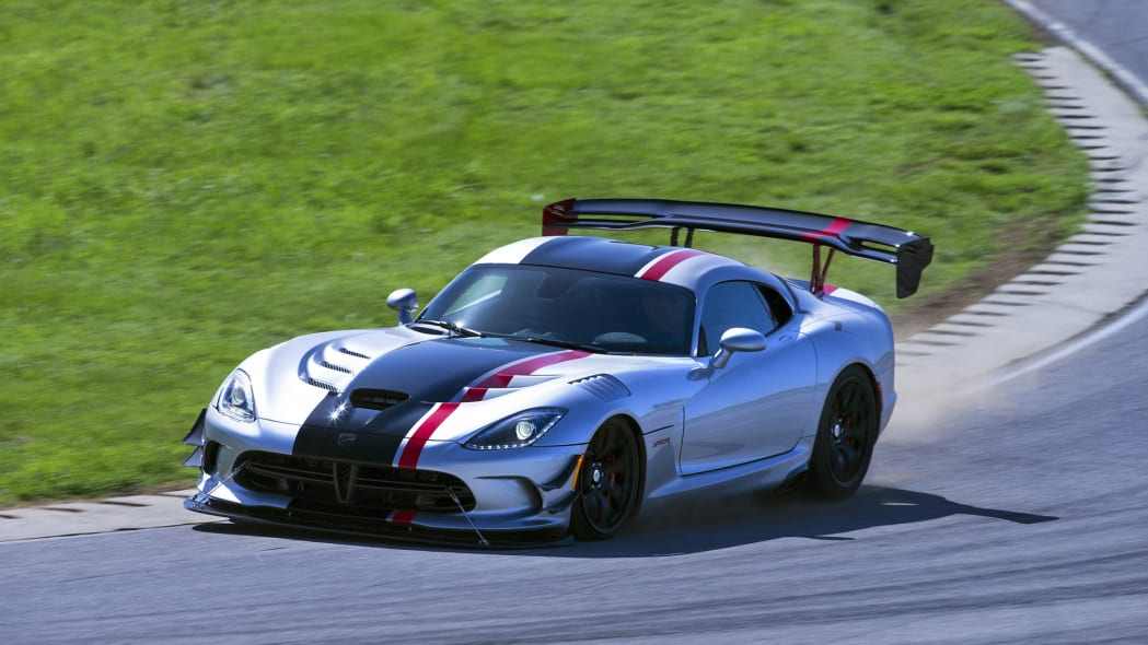 dodge viper acr action 2016