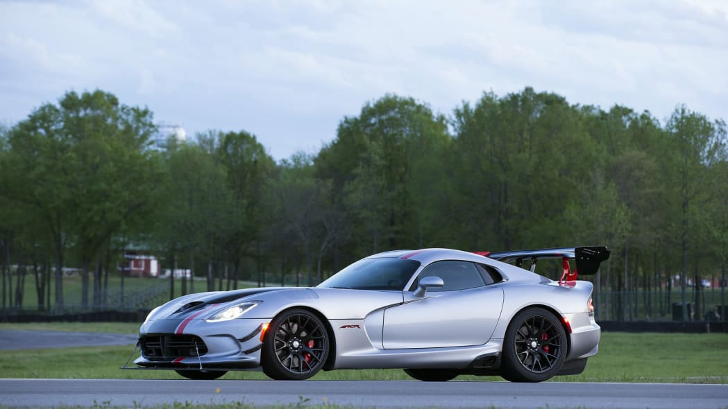 still dodge 2016 acr viper