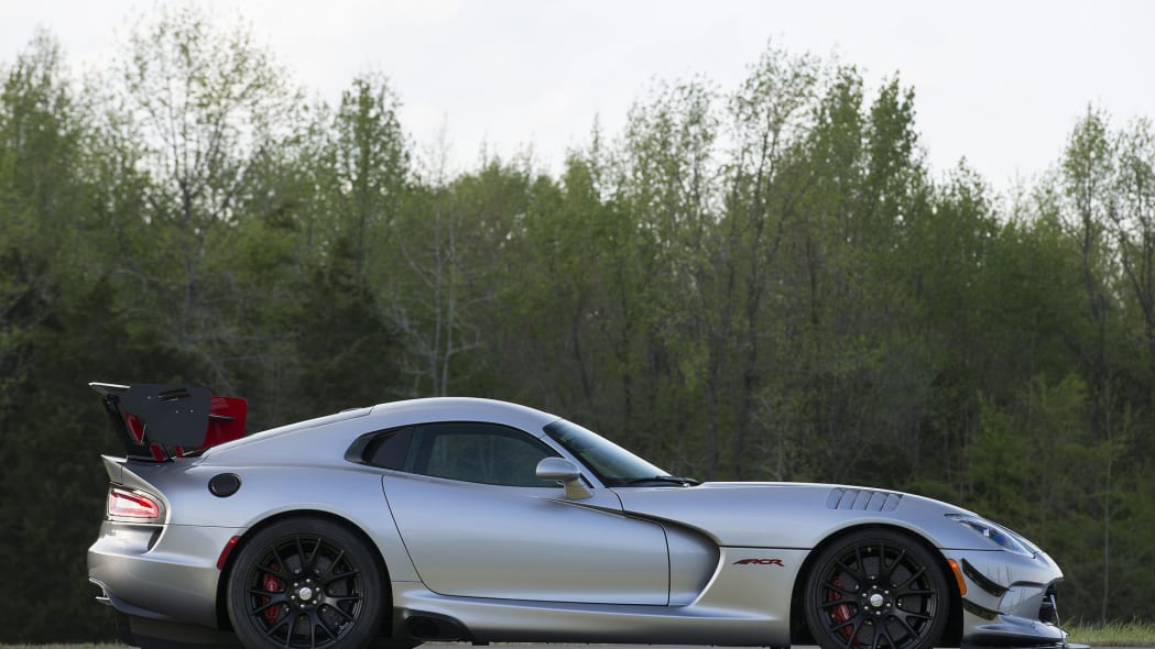 profile dodge viper acr 2016 still