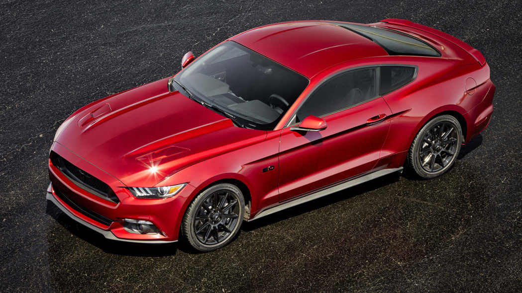 2016 Ford Mustang GT Black Package top front 3/4