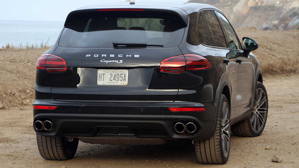 2015 Porsche Cayenne S rear 3/4 view