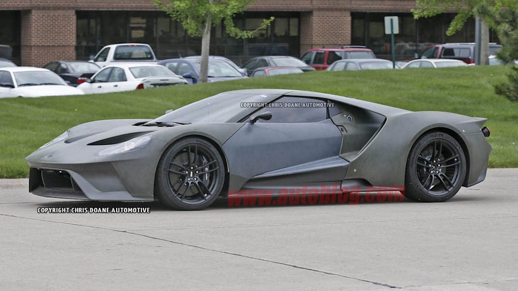 2017 Ford GT side prototype