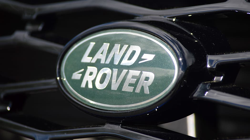 2015 Land Rover Range Rover Sport SVR badge