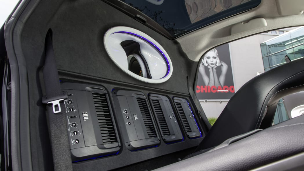 smart forgigs fortwo city coupe with jbl sound system detail