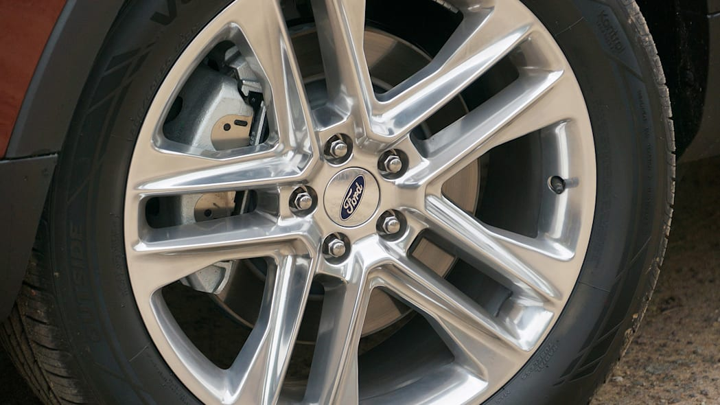 2016 Ford Explorer wheel