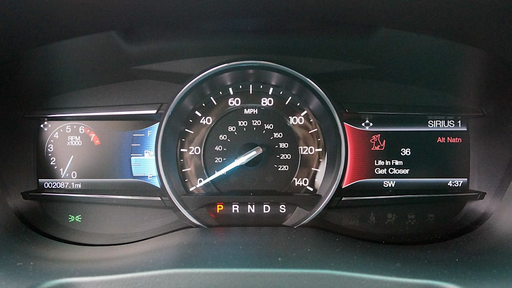 2016 Ford Explorer gauges