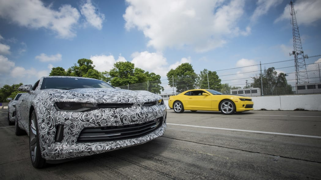 2016 chevy camaro close up