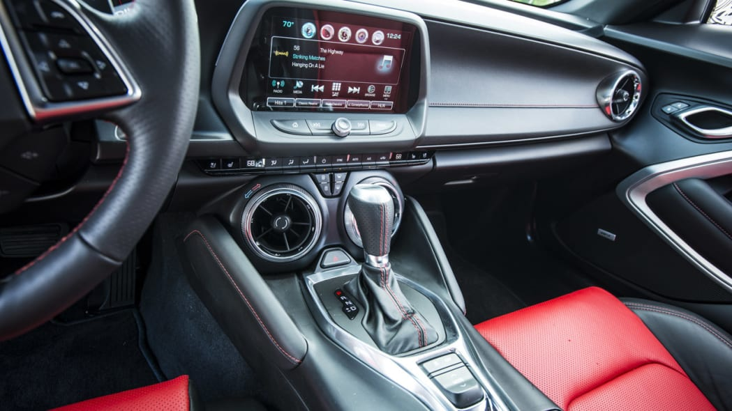 2016 chevy camaro gearshift