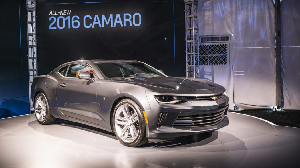 2016 chevy camaro gray turntable