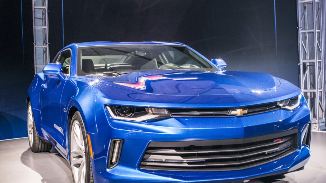 2016 chevy camaro blue front verticle