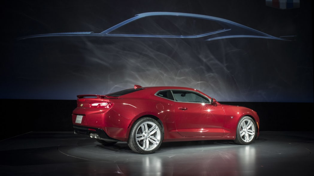 2016 chevy camaro red side