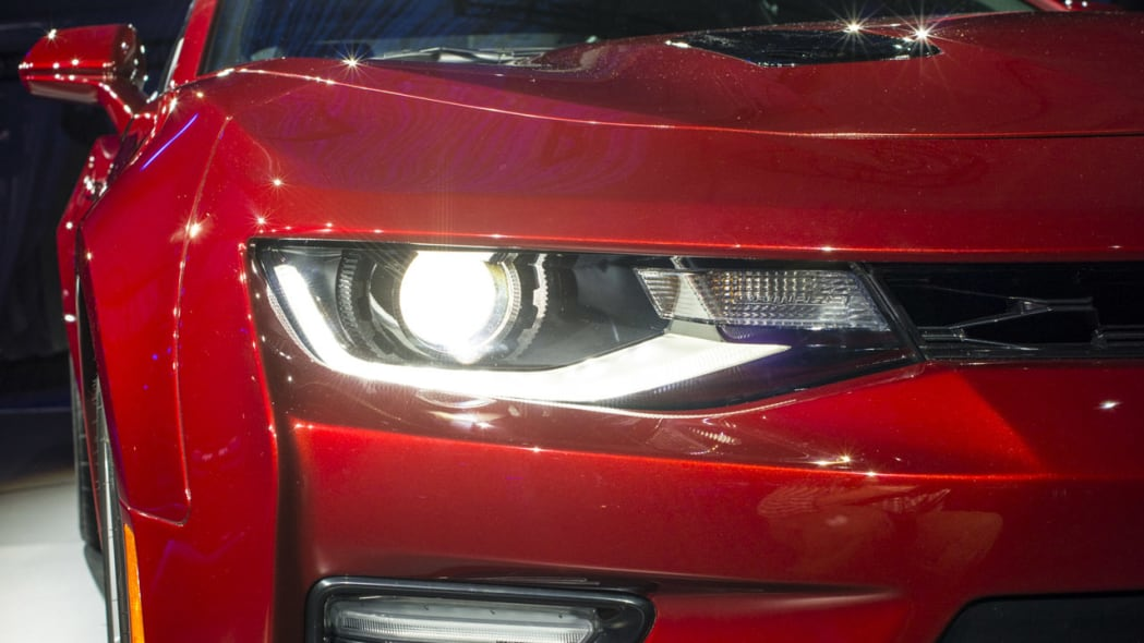 2016 chevy camaro front headlight