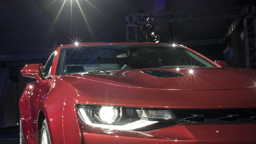 2016 chevy camaro front side