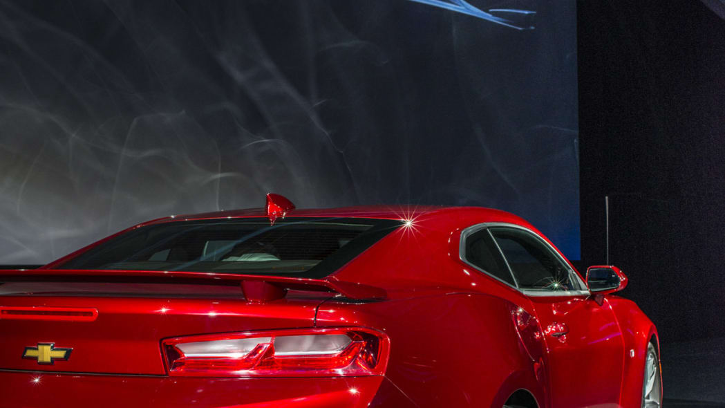 2016 chevy camaro red taillights