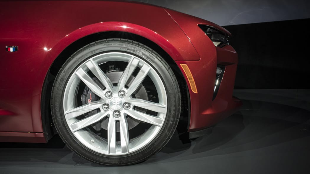 2016 chevy camaro front wheel