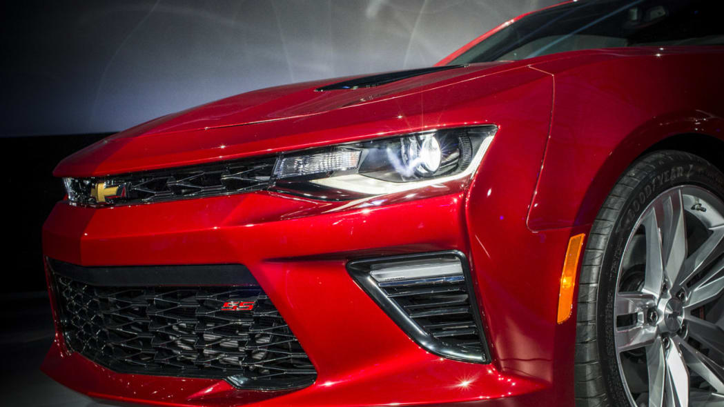 2016 chevy camaro front light