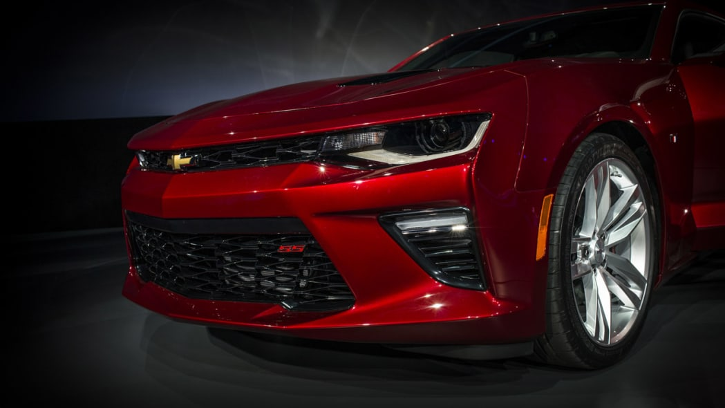 2016 chevy camaro front side dark