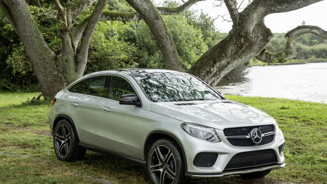 mercedes gle-class coupe in jurassic world