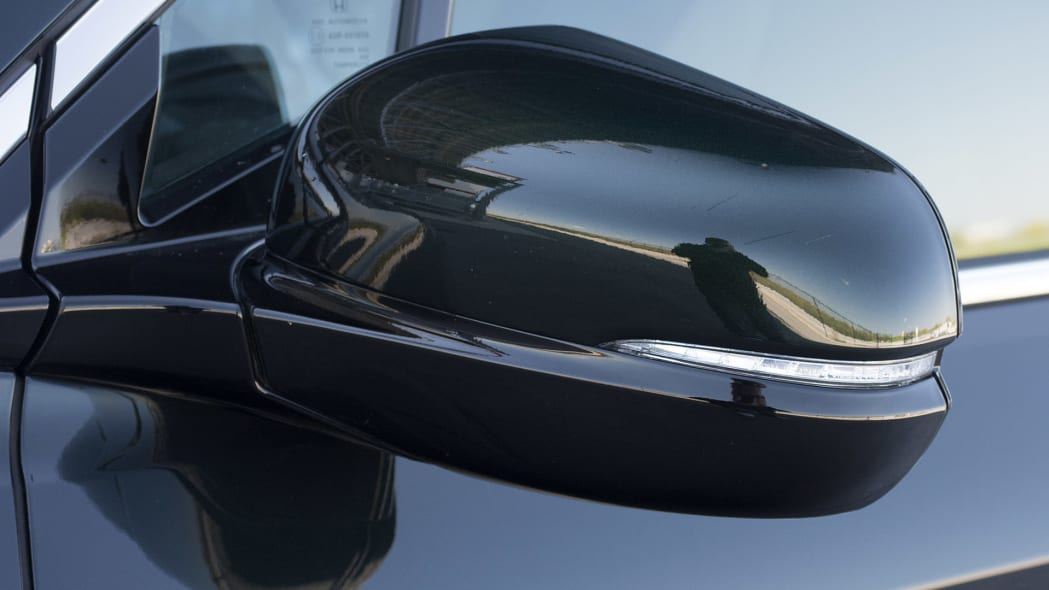 2016 Honda Pilot side mirror