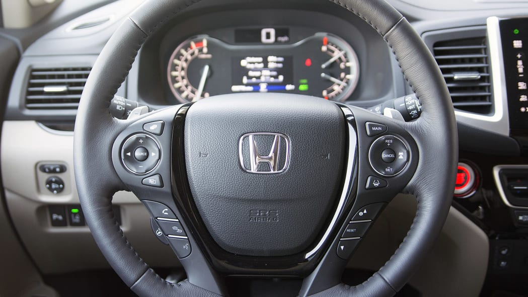 2016 Honda Pilot steering wheel