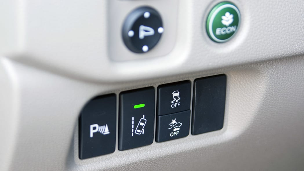 2016 Honda Pilot drive mode controls
