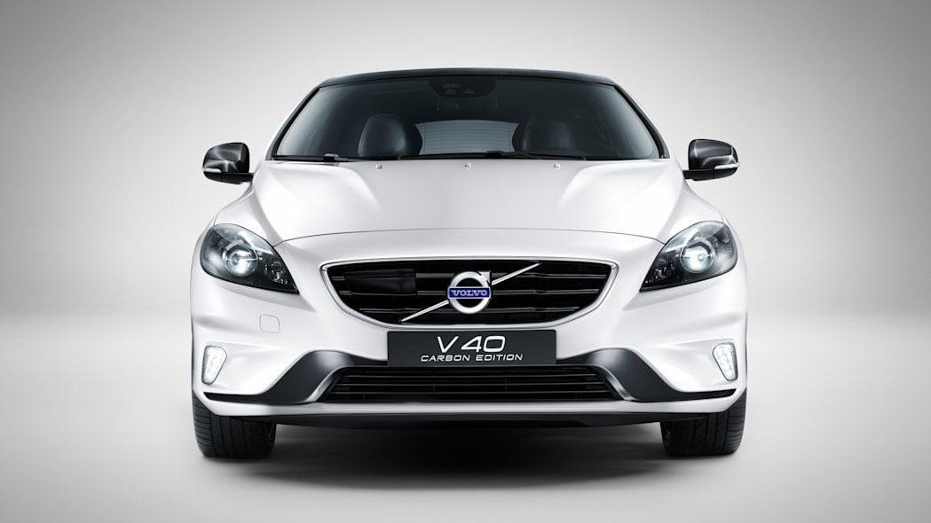 Volvo V40 Carbon Edition front