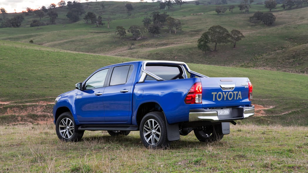 2016 Toyota HiLux rear 3/4