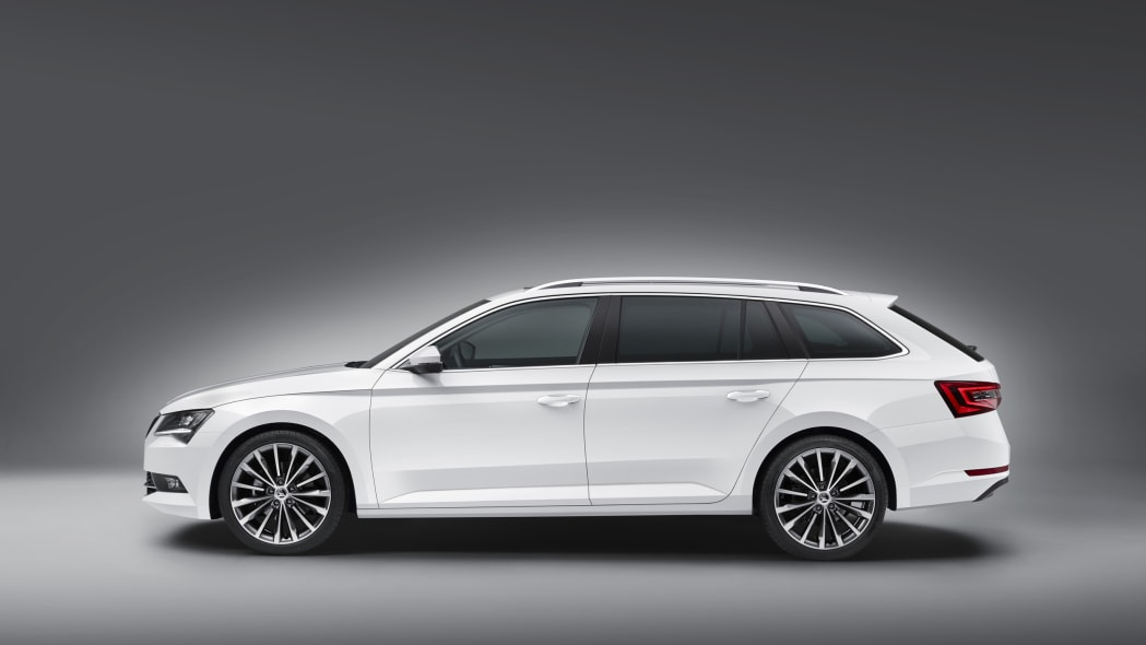 2016 Skoda Superb Combi side