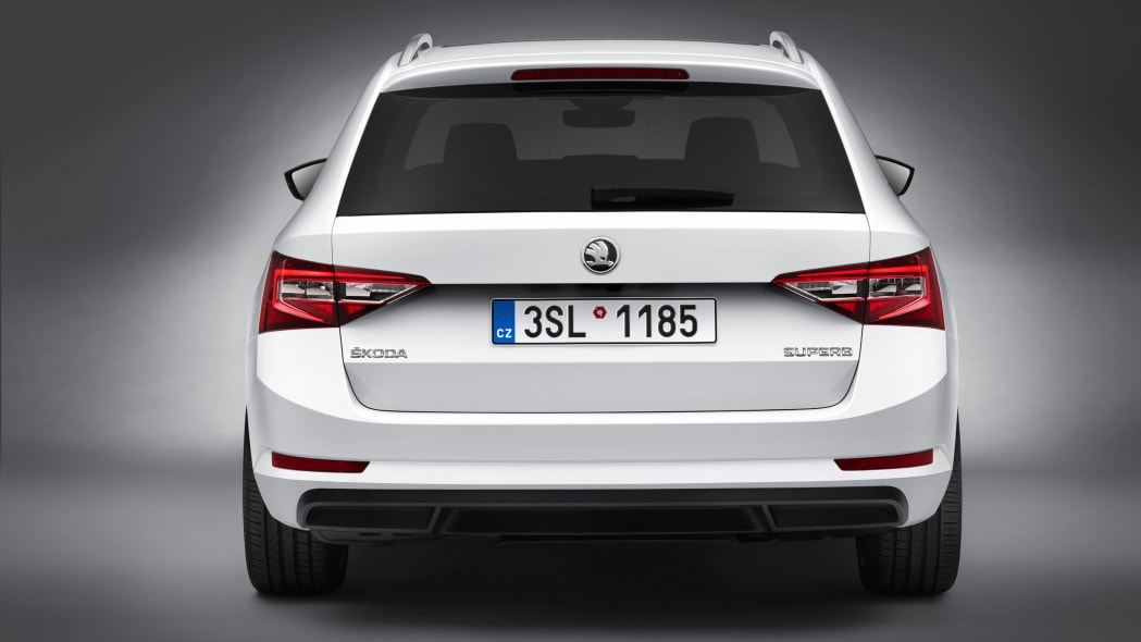 2016 Skoda Superb Combi rear