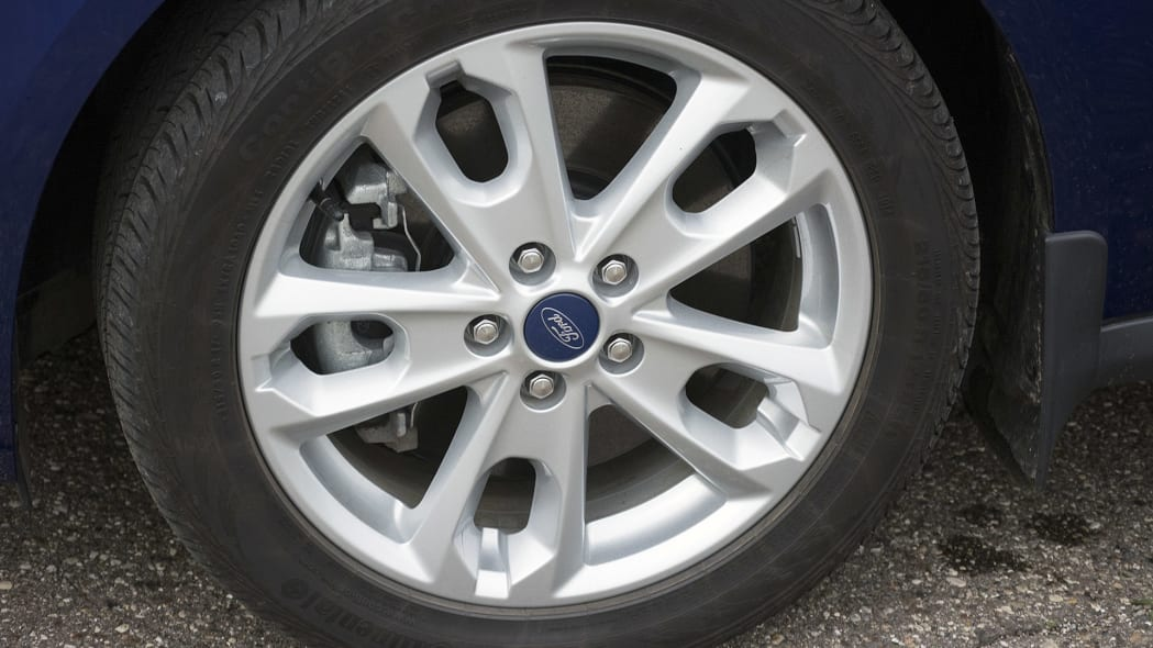 2015 Ford Transit Connect Wagon wheel