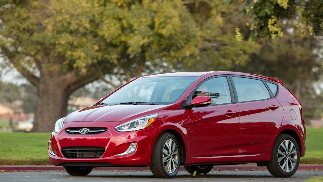 2015 Hyundai Accent  red