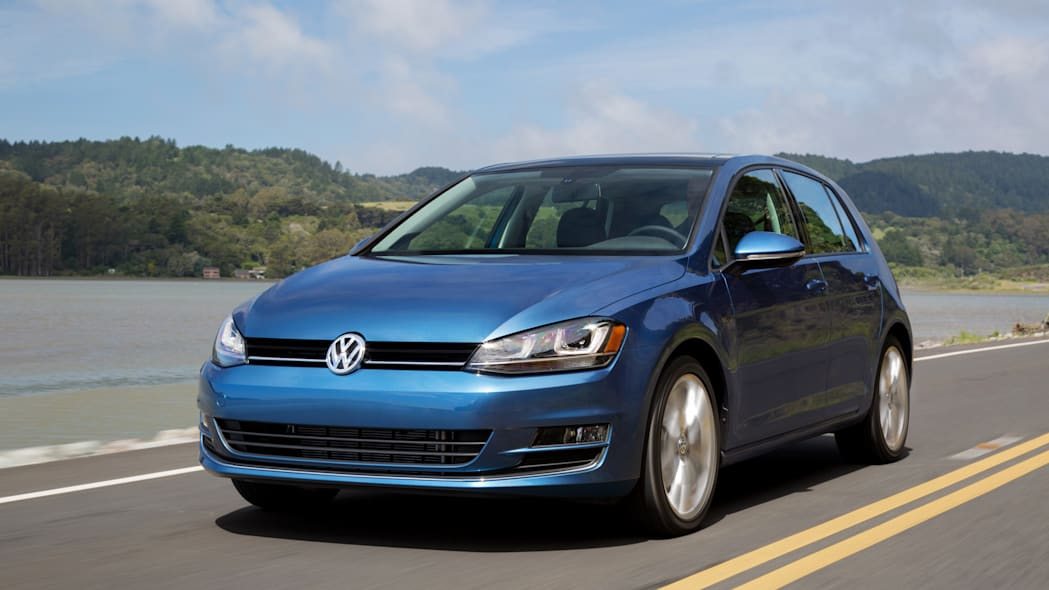 2015 Volkswagen Golf blue