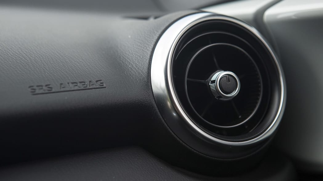 2016 Mazda MX-5 Miata air vent