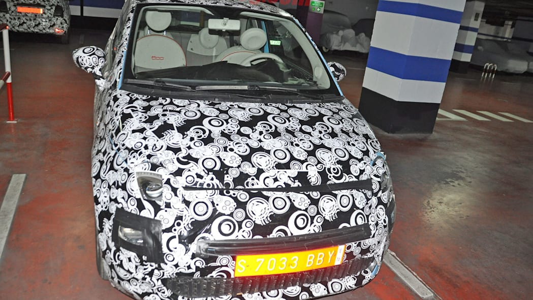 camouflaged fiat 500 front refresh spy shots