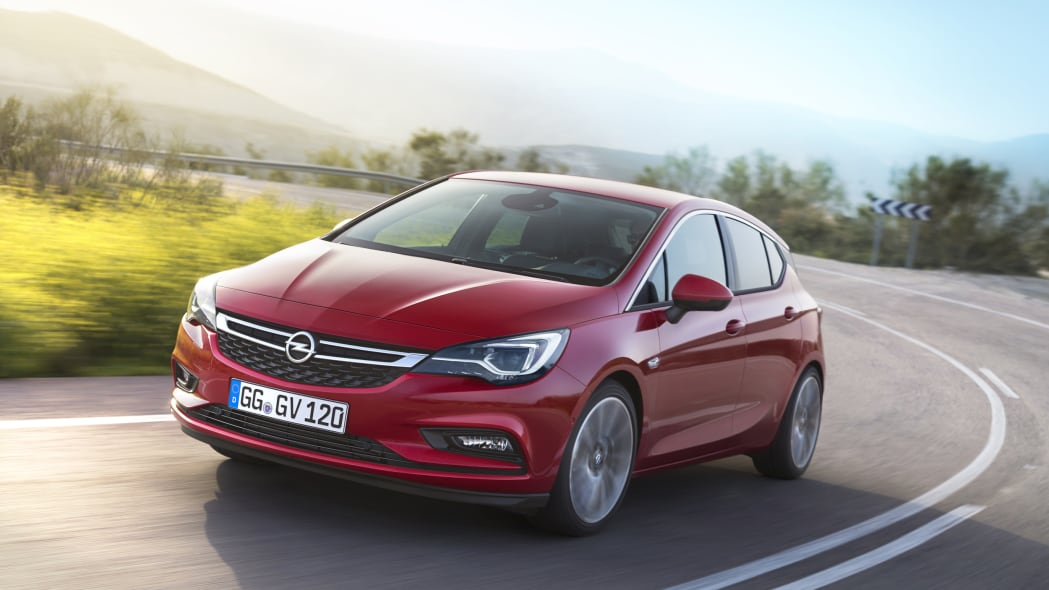 2016 Opel Astra front 3/4 road